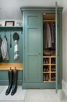Mudroom Laundry Room, Laundry Room Design, Boot Room Utility, Utility Room Designs, Laundry Room Inspiration, Hallway Storage, Home Remodeling, Building A House, New Homes
