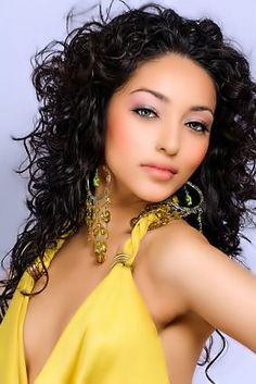 hair weave styles | 10 Best Long Hairstyles For Black Hair | StyleCraze