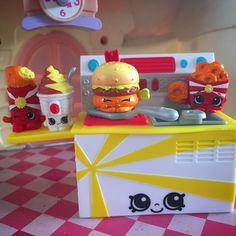 """#shopkins #fastfood #foodfair #cheddar #kookycooker #applepie #onionring #yummysundae"""