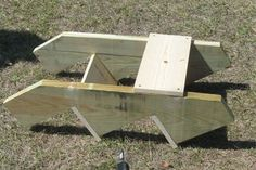Dog Stairs for Bed (take : 7 Steps - Instructables Dog Stairs For Bed, Dog Houses, Picnic Table, Bookcase, Dogs, Construction, Home Decor, Building, Decoration Home