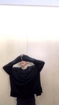 Park Jimin Cute, Bts Memes Hilarious, Bts Aesthetic Pictures, Jimin Wallpaper, Bts Backgrounds, Bts Video, Bts Lockscreen, Bts Group, Bts Members