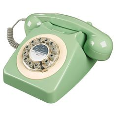 Retro Telephone in French Blue. Our brand new Retro Phone in French blue is a quintessential British retro telephone & style icon. British Home Decor, Swedish Home Decor, Green Home Decor, Retro Home Decor, Style Vert, Style Bleu, Telephone Vintage, Vintage Phones, Telephone Call