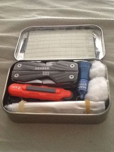 A Comprehensive Altoids Personal Survival/Everyday Carry Tin