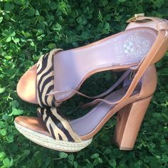 Very sexy Platform Sandal Vince Camuto never seem to Amaze me...some wear but not very noticeable at all..good condition. Again just trying to get some closet space✌️ Vince Camuto Shoes Heels
