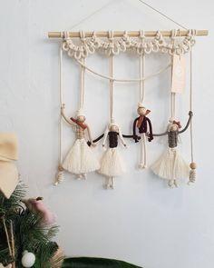"""hitku: """"by Ágnes Herczeg """"Study art and design at nscad caHerczeg Ágnes ad… Macrame – Wall Hanging Diy Macrame Wall Hanging, Macrame Curtain, Macrame Plant Hangers, Macrame Owl, Macrame Knots, Micro Macrame, Macrame Design, Macrame Projects, Macrame Patterns"""