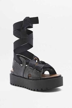 Sandales à plateformes et lacets en ruban