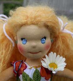 Panenka zahradnice, detail obličeje Teddy Bear, Dolls, Animals, Baby Dolls, Animales, Animaux, Puppet, Teddy Bears, Doll