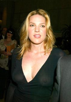 Diana Krall during ASCAP's Annual Pop Music Awards Arrivals at The Beverly Hilton Hotel in Beverly Hills California United States Pop Singers, Female Singers, Diana Krall, Jazz, Sheryl Crow, Women Of Rock, Famous Stars, Famous Models, Celebs