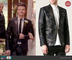 Kurt's camo suit jacket on Glee.  Outfit Details: http://wornontv.net/45907/ #Glee