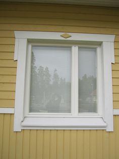 Nykyajan ikkuna nykyajan talossa