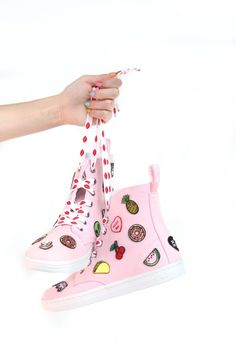 Today's project is totally going to up your sneaker game! After I found Hipstapatch through my girl Jenni of I Spy DIY , I knew I had . Tie Dye Shoes, How To Dye Shoes, Tying Shoes, Studded Converse, Polka Dot Shoes, Floral Shoes, Diy Patches, Clothing Hacks, Worth Clothing