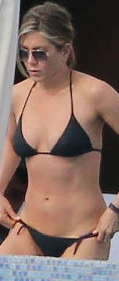 Who made  Jennifer Aniston's black string bikini