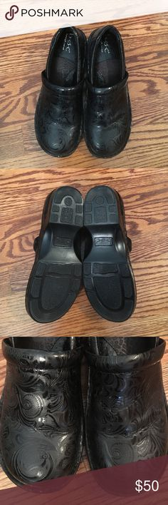 """B•O•C """"Peggy"""" Woman's Clogs Size 8M (Black) Pristine condition worn only once! The only reason why I'm selling is they are too small. Subtle paisley print and super cute and comfortable! b.o.c. Shoes Mules & Clogs"""