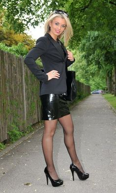 Miscellaneous Leather Leather Pencil Skirts (Part (Lovely Ladies in Leather) - Skirt-ideens Pantyhose Outfits, Pantyhose Legs, Nylons, Elegantes Outfit Frau, Katie Melua, Pernas Sexy, Leder Boots, Sexy Legs And Heels, Lovely Legs