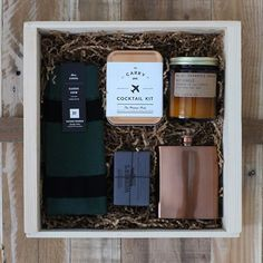 Digging these groomsmen boxes but not a groomsmen? We hear ya. So we got something special coming your way. Stay tuned.