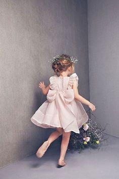 Beautiful dress for a flower girl! // DeuxParDeux.com // Deux Par Deux // kids clothes // kid style // fashion for kids