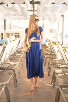 this cutout maxi dress is perfect for your next beach trip and comes in two colors!