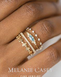Rose Gold Bar earrings in Rose Gold fill, rose gold bar studs, gold bar post earrings, minimalist jewelry - Fine Jewelry Ideas Jewelry Tags, Cute Jewelry, Gold Jewelry Simple, Danty Jewelry, Jewellery Bracelets, Book Jewelry, Choker Jewelry, Solid Gold Jewelry, Jewelry Dish