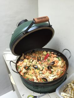 Paella op de Big Green Egg