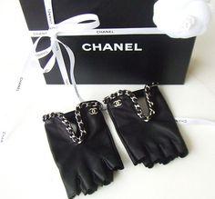 CHANEL BLACK LEATHER FINGERLESS BRACELET CHAIN DRESS GLOVES
