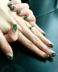 Christmas Month 2014: Tutorial - 3D Christmas Trees http://nailsfornickels.com/christmas-month-2014-tutorial-3d-christmas-trees/