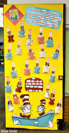 New Dr Seuss Classroom Door Decorations Ideas Dr. Seuss, Dr Seuss Week, Dr Seuss Bulletin Board, Teacher Door Decorations, Class Decoration, Dr Seuss Activities, Writing Activities, Sequencing Activities, Dr Seuss Crafts