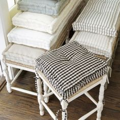 French Mattress Cushion Tutorial is part of diy-home-decor - The french mattress style cushions have become popular in vintage home design Let me show you how to make your own french mattress in this tutorial!