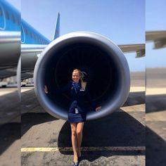 Jetairfly stewardess engine crewfie @gaellescheffer