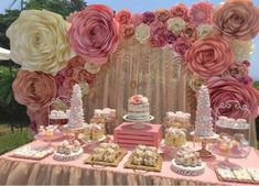 46 trendy Ideas for baby shower flowers girl candy bars Baby Shower Cake Sayings, Baby Shower Cake Pops, Baby Shower Table, Baby Shower Parties, Girl Birthday Decorations, Bridal Shower Decorations, Wedding Decorations, Paper Flower Decor, Flower Decorations