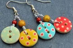 DIY: 15 jewelry ideas in recovery- Button earrings Source by funsuzyfun - Jewelry Crafts, Jewelry Art, Beaded Jewelry, Jewelry Design, Jewelry Ideas, Jewellery, Fashion Jewelry, Button Earrings, Diy Earrings