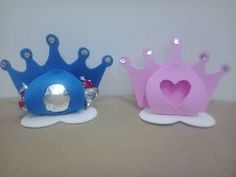 Porta bombom coroa de EVA - COM MOLDE - YouTube Foam Crafts, Paper Crafts, Hobbies And Crafts, Diy And Crafts, Tea Party Crafts, Quilled Paper Art, Baby Shawer, Cute Clay, Baby Party