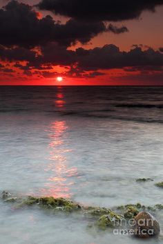 I can see I like 2 kinds of places creepy and surreal or relaxing and zen ✯ Sea Scape Sunrise