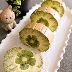 Keem Ooi/Bake the Talk - Kiwi Hurricane Roll - Dessert Time Cake Roll Recipes, Dessert Recipes, Creative Cakes, Creative Food, Amazing Food Decoration, Kiwi Cake, Swiss Roll Cakes, Cocoa Recipes, Cake Recipes