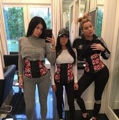 The Real Problem with Glorifying Slim-Thick Body Types Thick And Fit, Thick Body, How To Be Slim, How To Be Thick, Body Type Workout, Slim Thick Workout, Celebrity Bodies, Loungewear Set, Waist Training