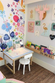 Smart Ideas for Youngsters' Rooms That Go from Toddler to Teen - Invest in a handful of crucial pieces, and also make subtle updates with fun fabrics, accents, and also paint. Read on to see exactly just how to do it. Children's bookshelves Baby Zimmer Ikea, Kids Corner, Little Girl Rooms, Creative Decor, Creative Kids Rooms, Creative Play, Creative Ideas, Kid Spaces, Kids Decor