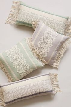 Beautiful Moroccan Pillow That Can Increase Your Home Beauty 1000 Cute Pillows, Diy Pillows, Decorative Pillows, Throw Pillows, Pillow Ideas, Boho Pillows, Cushion Covers, Pillow Covers, Anthropologie Bedroom