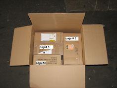 Si se puede enviar 3 envios en una sola caja, usando una sola etiketa.
