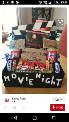 31 brilliant date night ideas you can act like you thought of make it a legit at home movie night solutioingenieria Image collections
