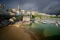 """Tenby (Welsh: Dinbych-y-Pysgod, """"little town of de fishes"""") is a walled seaside town in Pembrokeshire, West Wales, lying on Carmarthen Bay Carmarthen Bay, Wales Beach, Pembrokeshire Wales, Visit Wales, Europe Holidays, England Ireland, Brecon Beacons, Holiday Places, Snowdonia"""