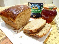Pan de espelta con yogurt y miel
