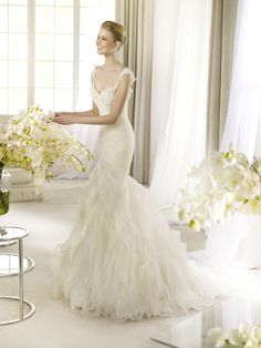 Arola from La Sposa....I think this is one of the most beautiful wedding gowns I have ever seen.