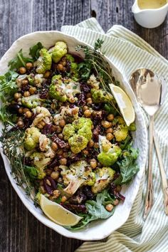 Roasted Cauliflower and Chickpea Salad #healthy #salad #cauliflower