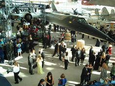 A fine site representative of the largest aviation museum on the west coast. Good historical information and photos. Located in Seattle, Washington : http://seattlethingstodoin.com/museum-of-flight-seattle/