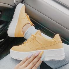Yellow Sneakers, Cute Sneakers, Shoes Sneakers, Chunky Sneakers, Sneakers Mode, Yellow Shoes, Tumblr Sneakers, Sneakers Workout, Vans Tennis Shoes