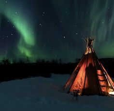 What better dinner ambiance than the dancing northern lights in the background. Check it out Northern Lights Sweden, Dancing, Tourism, Channel, Sky, Adventure, Dinner, Check, Travel