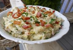 Colcannon avagy ír burgonyapüré | NOSALTY Hungarian Recipes, Hungarian Food, Paella, Potato Salad, Mashed Potatoes, Side Dishes, Bacon, Food And Drink, Cooking