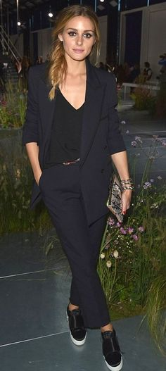 Pinterest: DEBORAHPRAHA ♥ Olivia Palermo wearing a suit with sneakers style