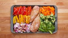 Woah! So easy and tasty! Summer bod, here I come! Here is what you'll need! One-Pan Chicken And Veggie Meal Prep 2 Ways Servings: 4 INGREDIENTS 1 red pepper,...