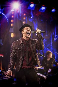 Gavin DeGraw. What a voice and presence!
