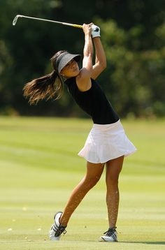 Expert Golf Tips For Beginners Of The Game. Golf is enjoyed by many worldwide, and it is not a sport that is limited to one particular age group. Not many things can beat being out on a golf course o Veronica, Golf Sexy, Cute Golf Outfit, Girl Golf Outfit, Lpga Tour, Girls Golf, Golf Attire, Golf Tips For Beginners, Perfect Golf